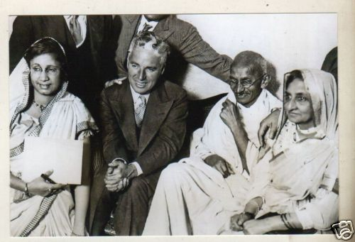 Gandhi with Charlie Chaplin in London 1931