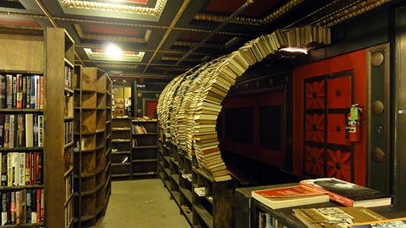 Inspiring Bookstores Around the World-4