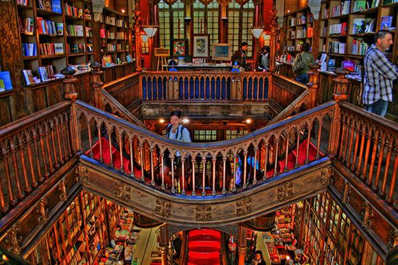 Inspiring Bookstores Around the World-8