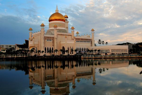 Sultan_Omar_Ali_Saifuddin_Mosque_Brunei