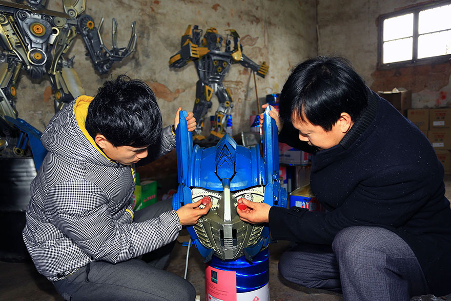 Build-Transformers-From-Scrap-Metal-In-China-4