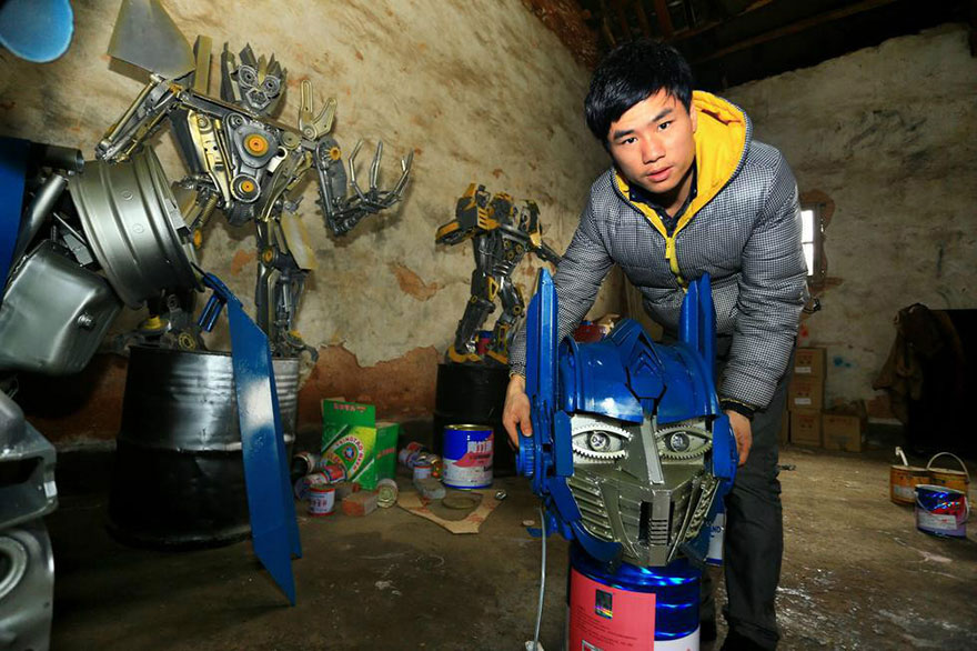 Build-Transformers-From-Scrap-Metal-In-China-7