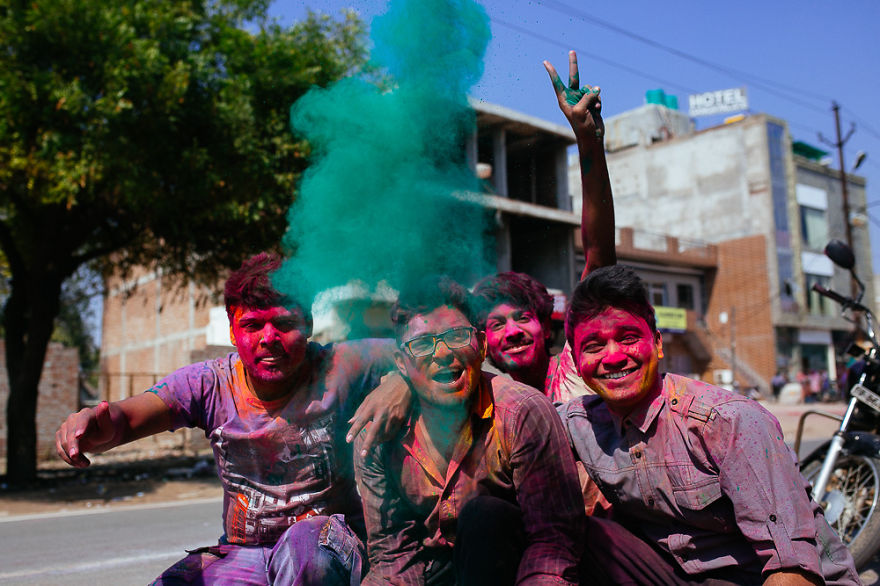 Holi-festival-welcomes-spring-in-India-10