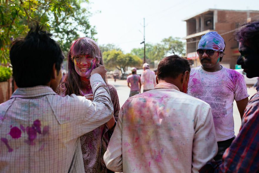 Holi-festival-welcomes-spring-in-India-12