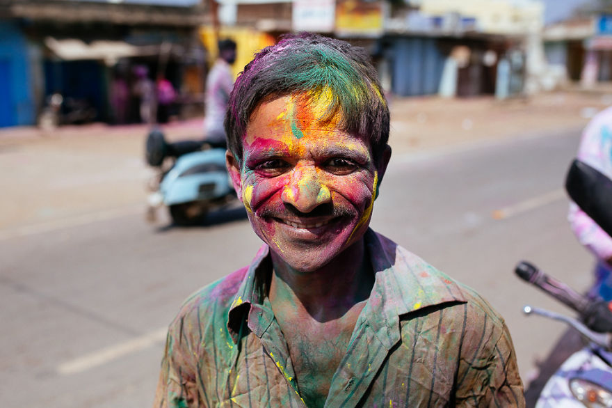 Holi-festival-welcomes-spring-in-India-13