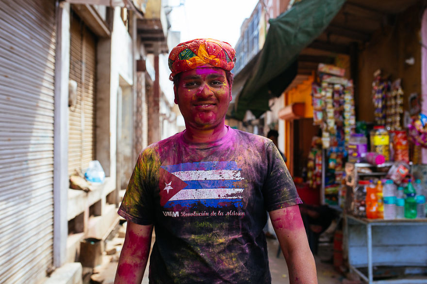 Holi-festival-welcomes-spring-in-India-15