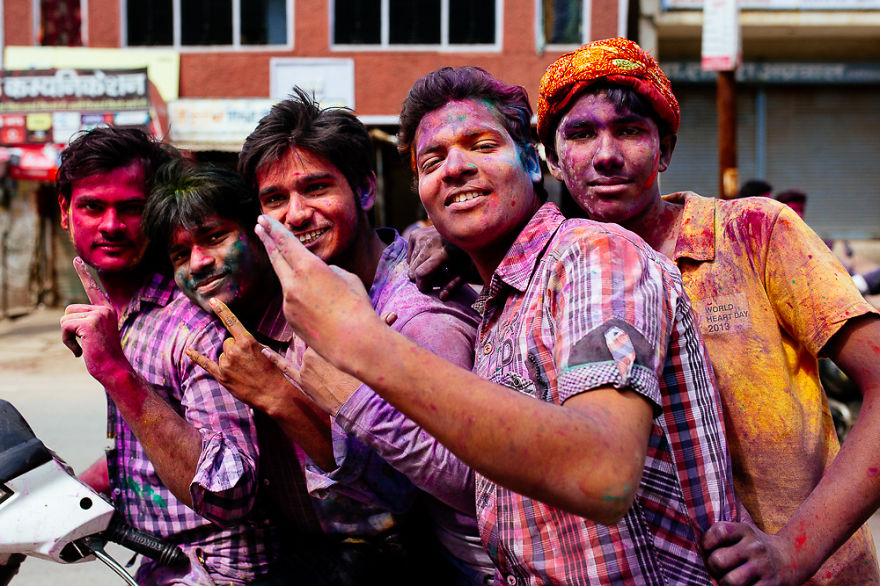 Holi-festival-welcomes-spring-in-India-17