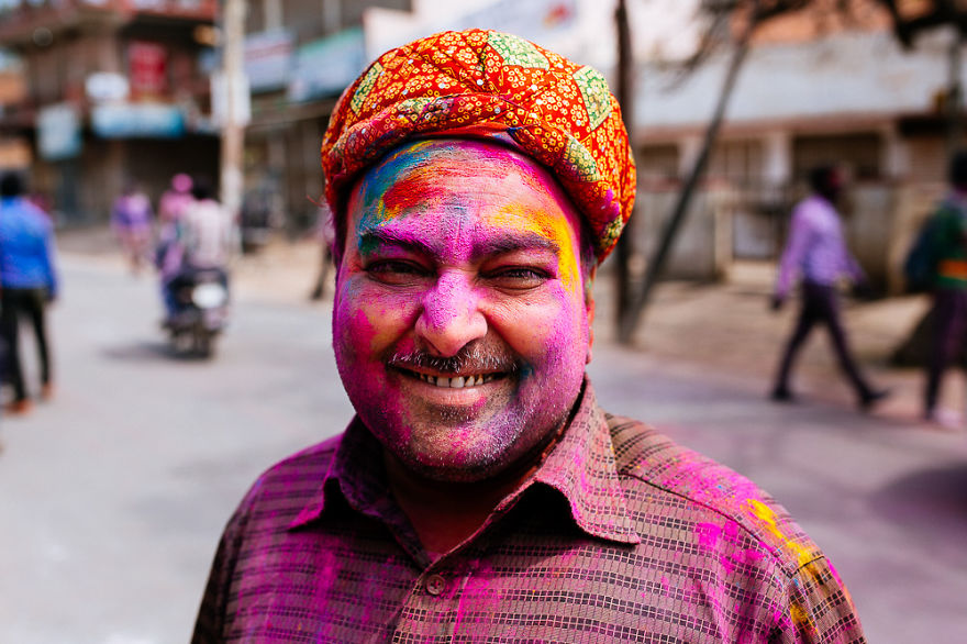 Holi-festival-welcomes-spring-in-India-18