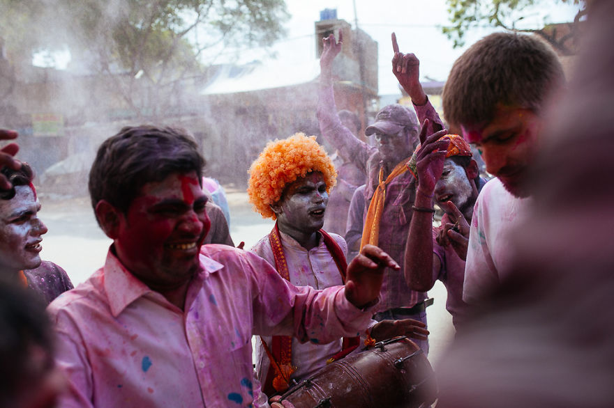 Holi-festival-welcomes-spring-in-India-20