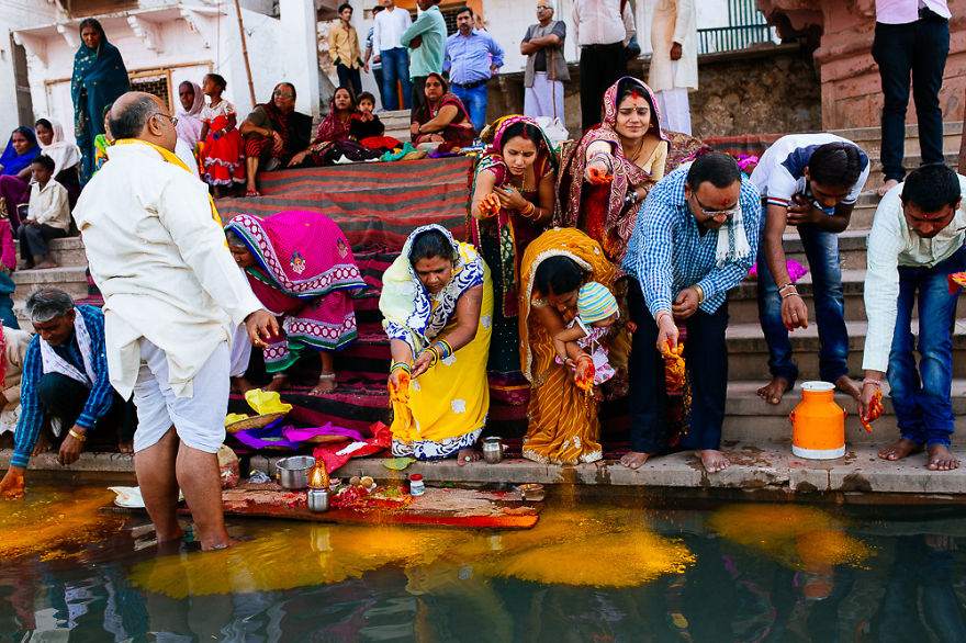 Holi-festival-welcomes-spring-in-India-24