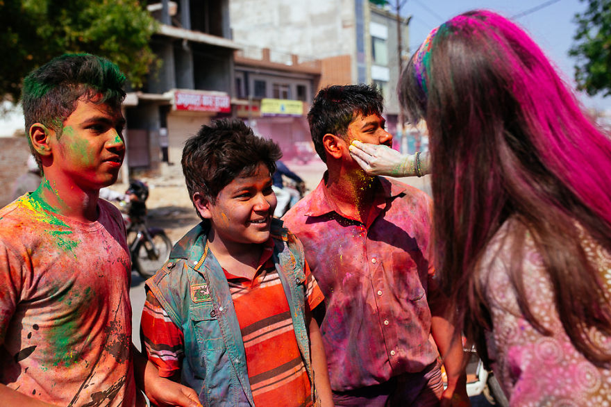 Holi-festival-welcomes-spring-in-India-8