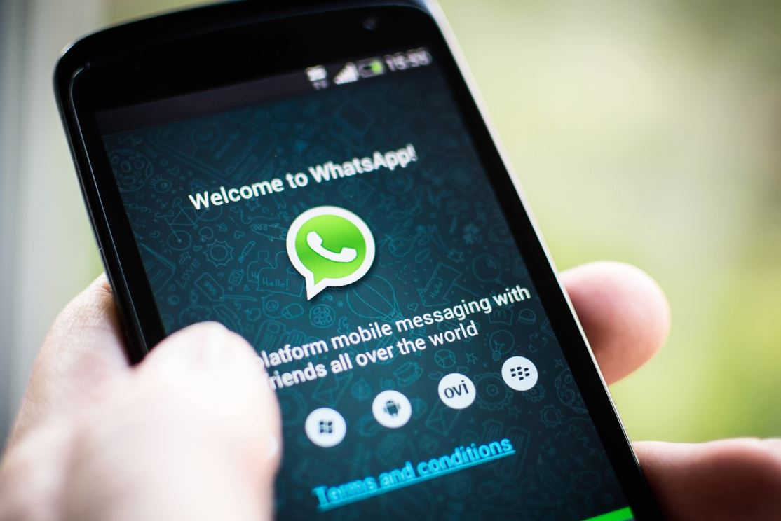 Block-Contacts-on-WhatsApp