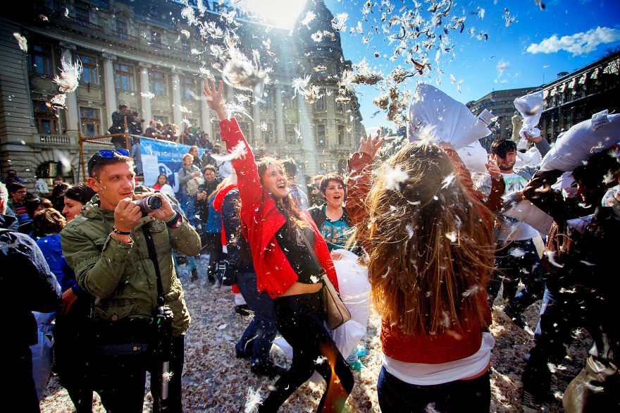 International-Pillow-Fight-Day-In-Bucharest-Romania-1