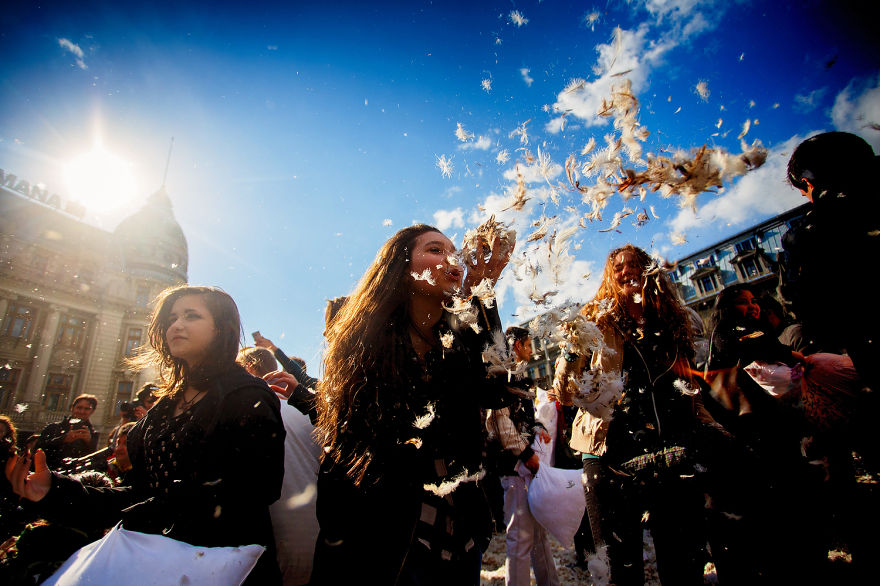 International-Pillow-Fight-Day-In-Bucharest-Romania-10