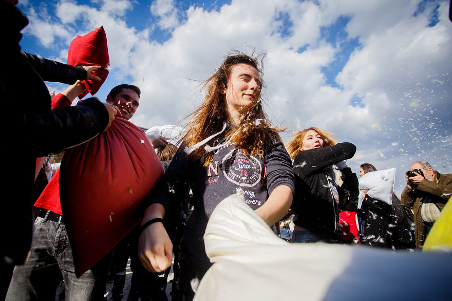 International-Pillow-Fight-Day-In-Bucharest-Romania-14