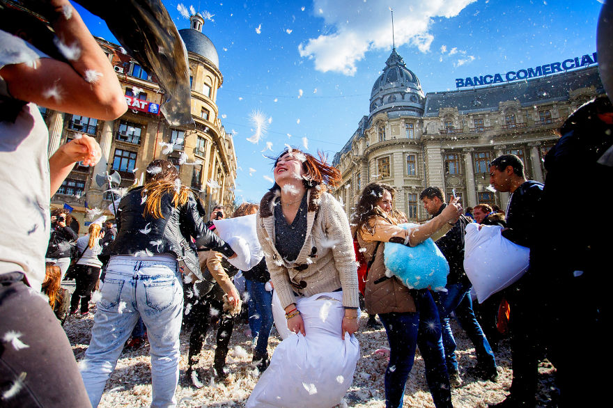 International-Pillow-Fight-Day-In-Bucharest-Romania-2