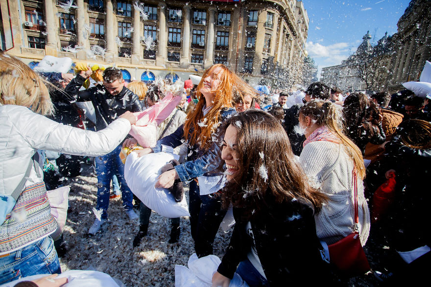 International-Pillow-Fight-Day-In-Bucharest-Romania-3