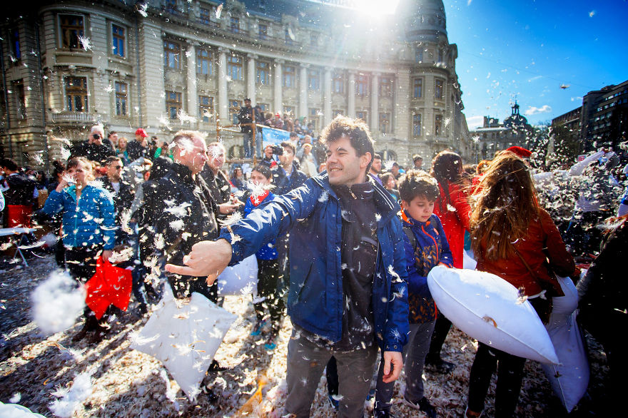 International-Pillow-Fight-Day-In-Bucharest-Romania-5