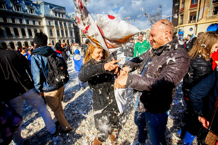 International-Pillow-Fight-Day-In-Bucharest-Romania-9