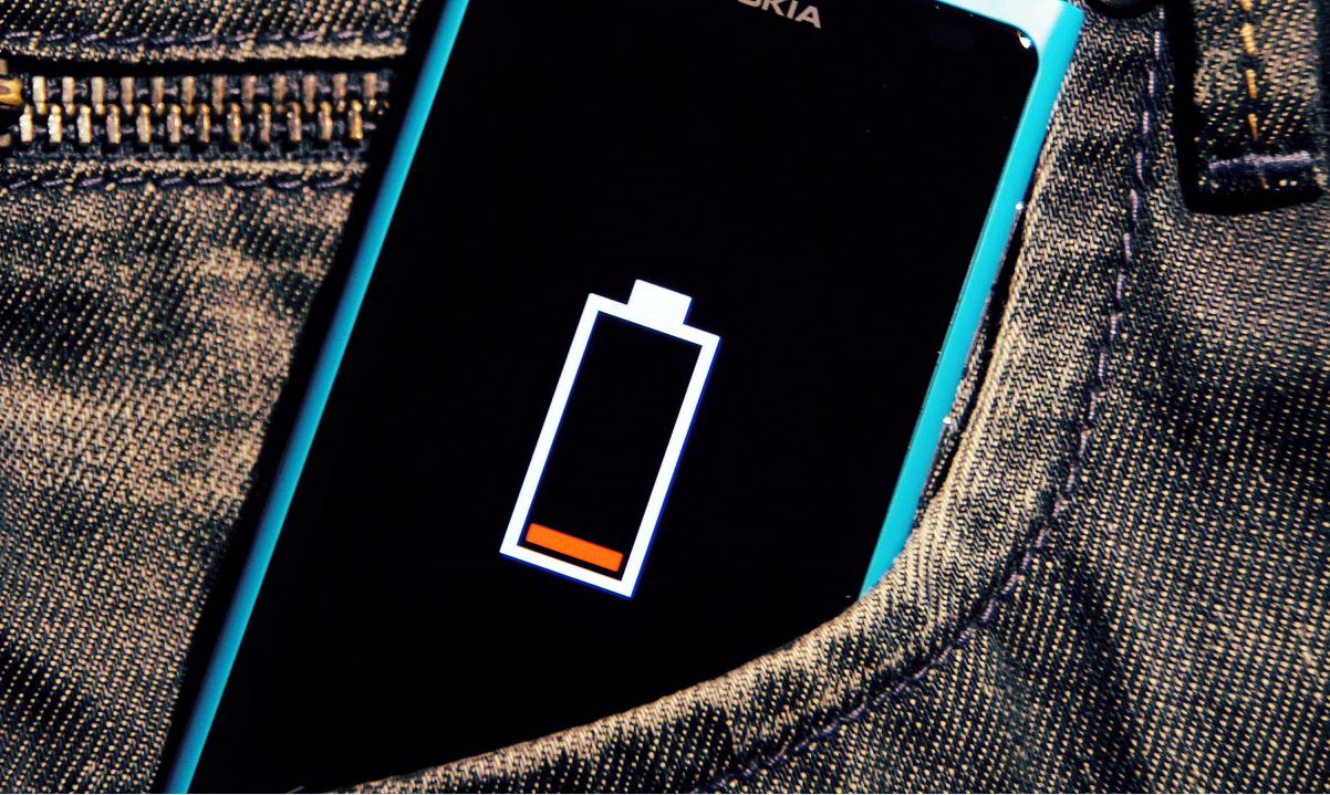 charge-smartphone-battery-faster