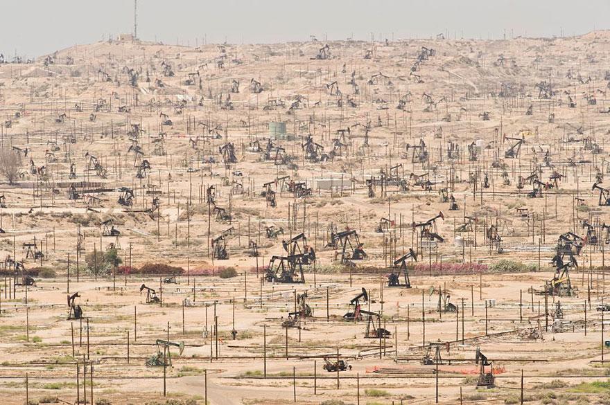 global-population-planet-pollution-overdevelopment-overpopulation-overshoot-4