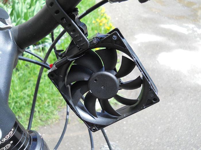 bike-usb-phone-charger-wind-tubine-thomas-romania-4