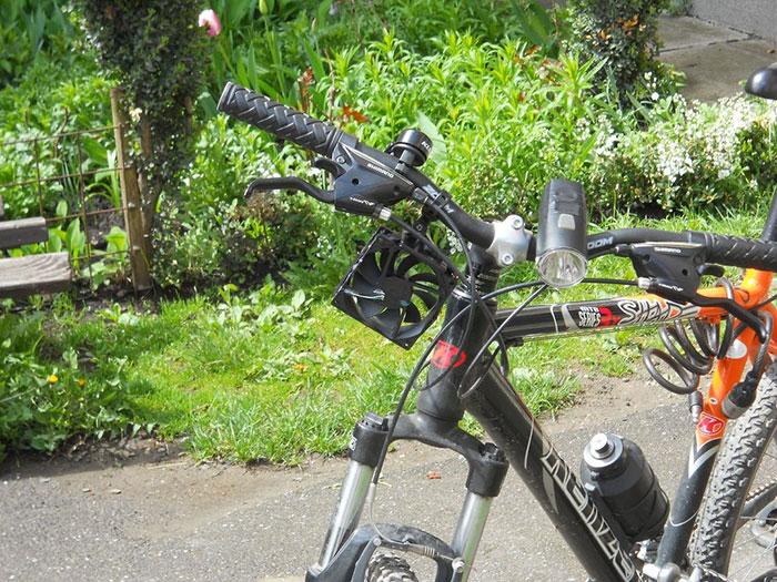 bike-usb-phone-charger-wind-tubine-thomas-romania-8