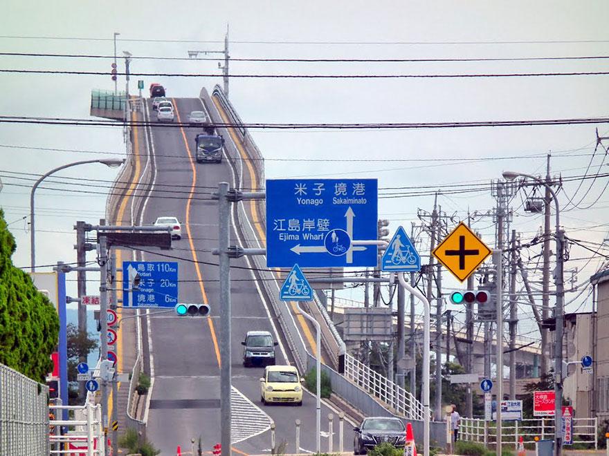 rollercoaster-bridge-eshima-ohashi-japan-3