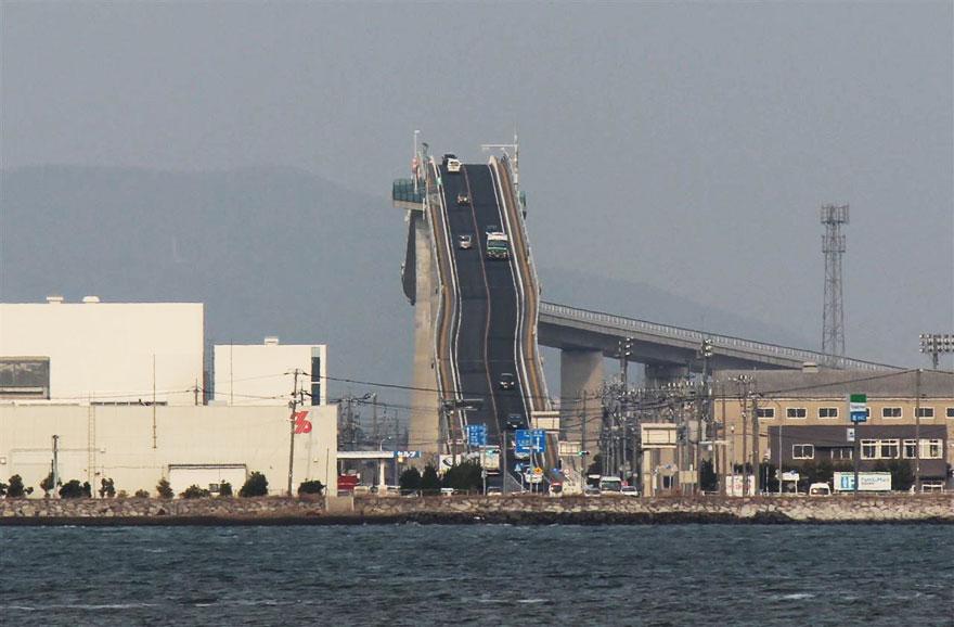 rollercoaster-bridge-eshima-ohashi-japan-4