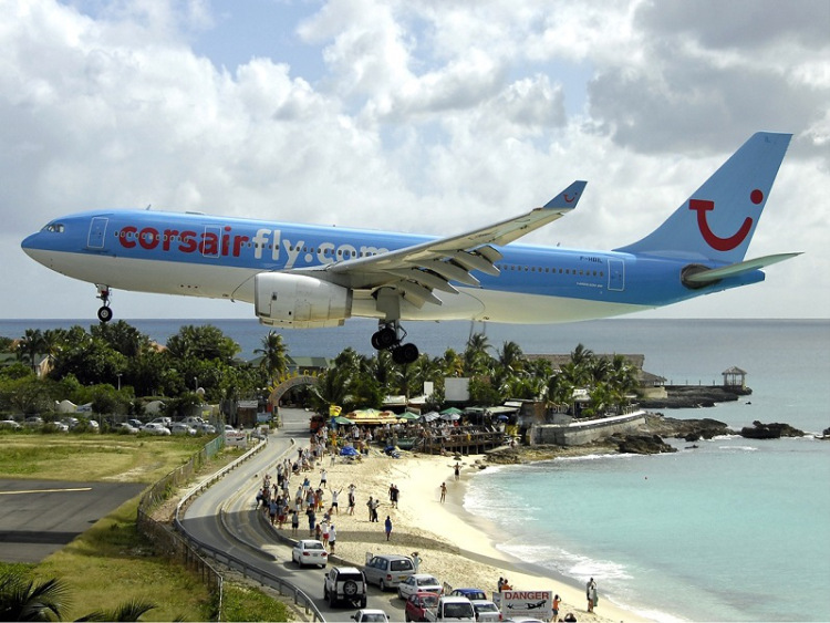 Breathtaking-Pictures-of-Princess-Juliana-International-Airport-Sint-Maarten-1