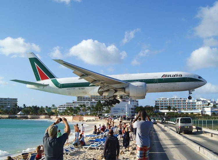 Breathtaking-Pictures-of-Princess-Juliana-International-Airport-Sint-Maarten-4