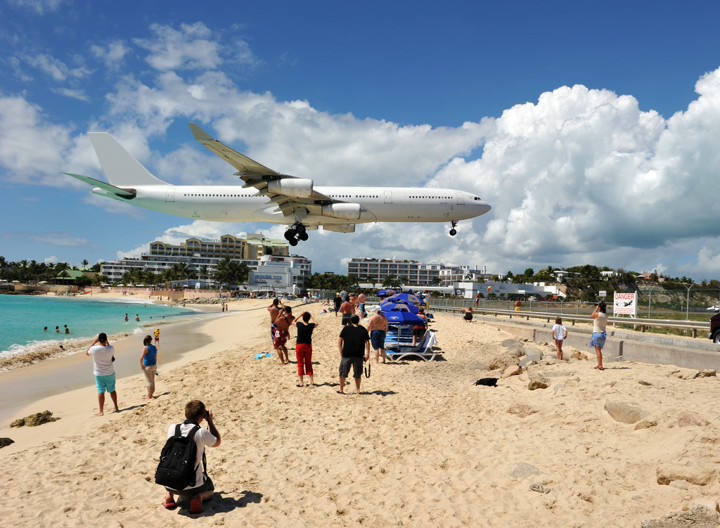 Breathtaking-Pictures-of-Princess-Juliana-International-Airport-Sint-Maarten-8