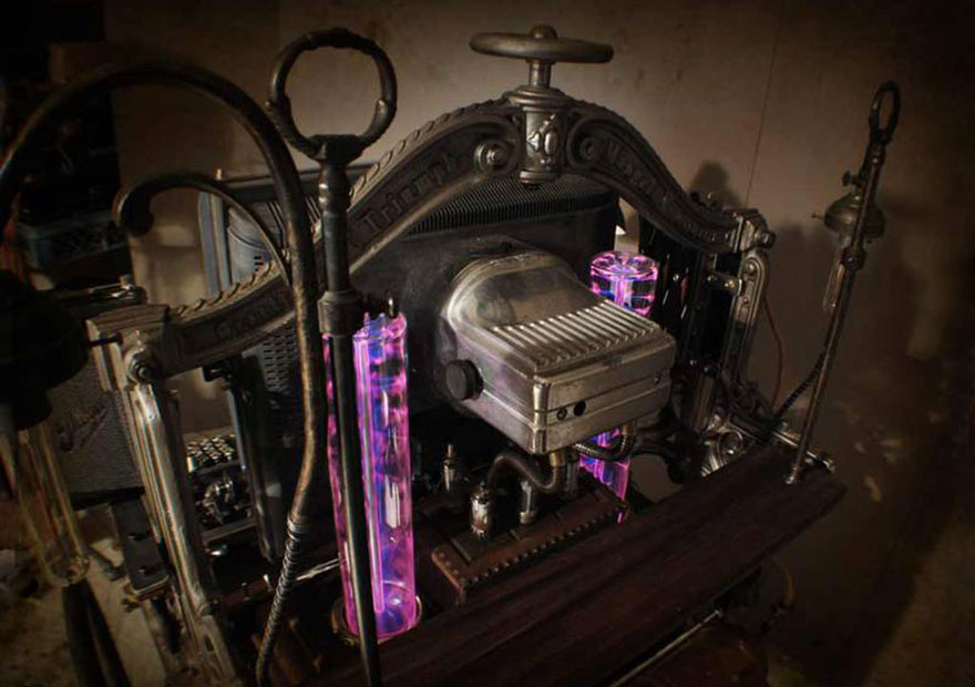 Fully-Functional-Steampunk-Computer-5