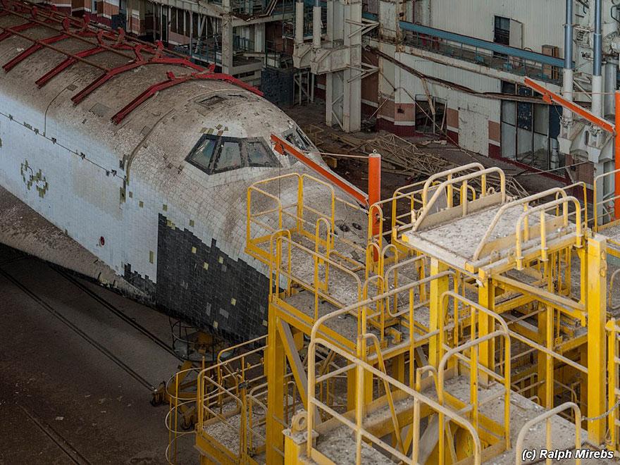 Sad-Remains-Of-The-Soviet-Space-Shuttle-Program-Baikonur-Cosmodrome-in-Kazakhstan-10