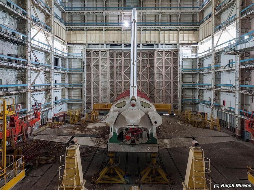Sad-Remains-Of-The-Soviet-Space-Shuttle-Program-Baikonur-Cosmodrome-in-Kazakhstan-11