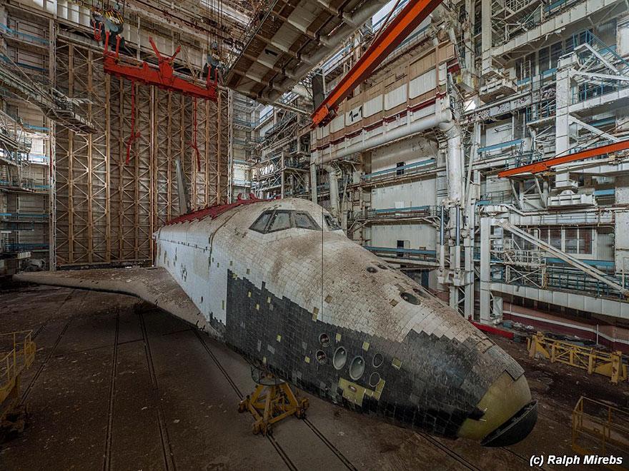 Sad-Remains-Of-The-Soviet-Space-Shuttle-Program-Baikonur-Cosmodrome-in-Kazakhstan-16