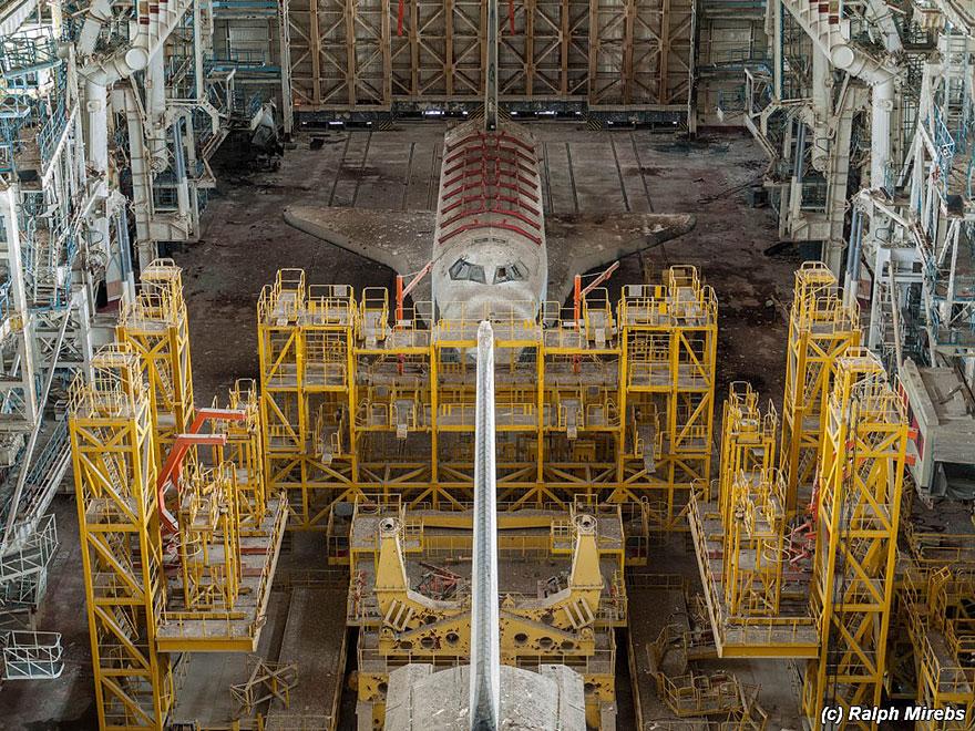 Sad-Remains-Of-The-Soviet-Space-Shuttle-Program-Baikonur-Cosmodrome-in-Kazakhstan-3