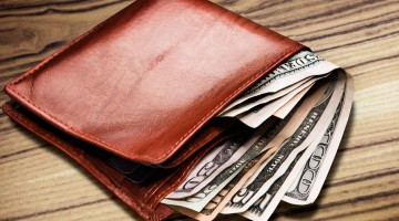 Young-People-Should-Learn- 6-Money-Tips