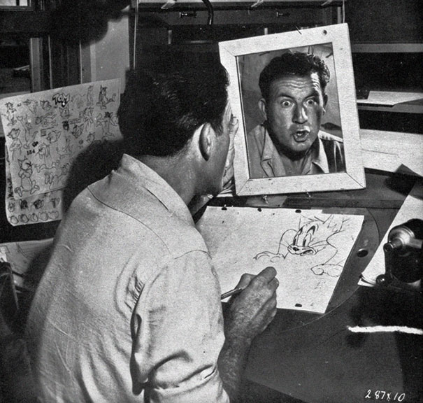 Disney-Animators-Study-Reflections-Mirror-Draw-Characters-Right (4)