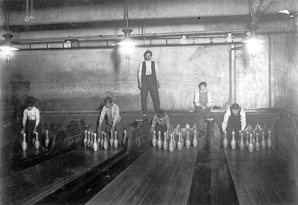 Bowling-Alley-Pinsetter-1