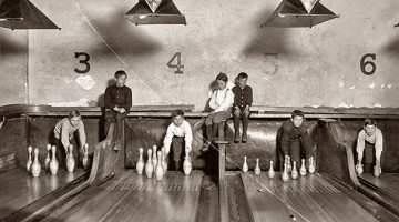 Bowling-Alley-Pinsetter