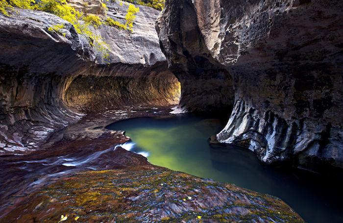 Underground-Road-National-Park-Zaion-Located-North-Creek-Park (12)