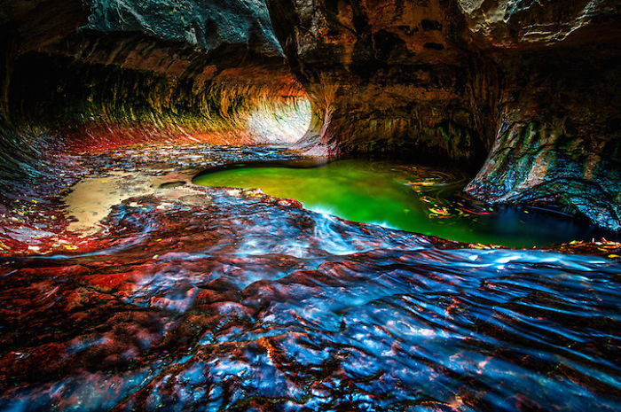 Underground-Road-National-Park-Zaion-Located-North-Creek-Park (3)