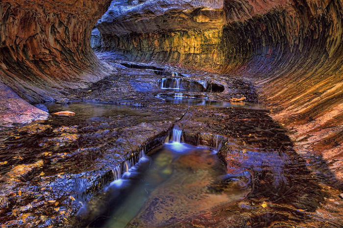 Underground-Road-National-Park-Zaion-Located-North-Creek-Park (7)