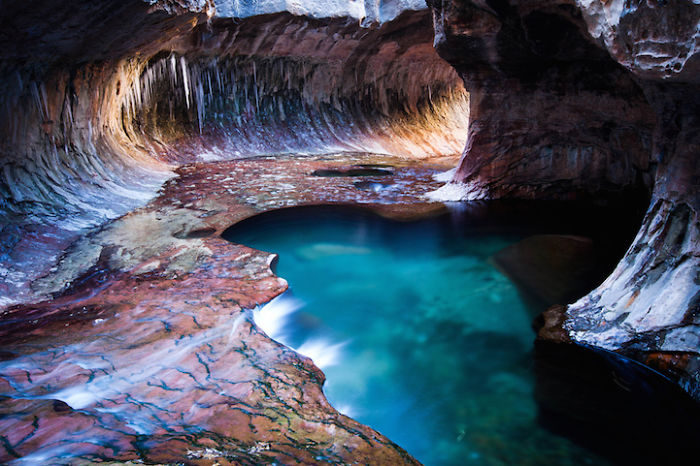 Underground-Road-National-Park-Zaion-Located-North-Creek-Park (8)
