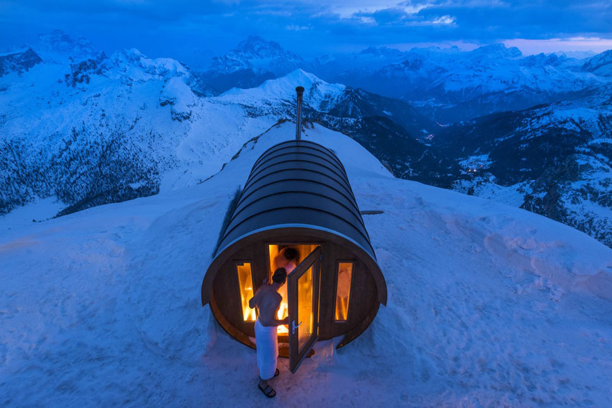 Winners-Of-The-2015-National-Geographic-Traveler-Photo-Contest-Sauna-in-the-Sky