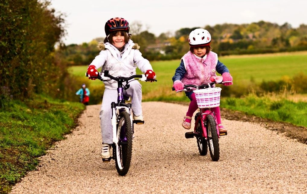 children-and-bike