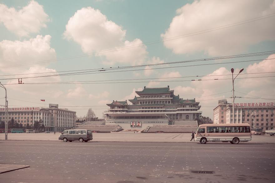 38e-parallle-north-North-Korea- Secretive-Capital-Pyongyang  (17)