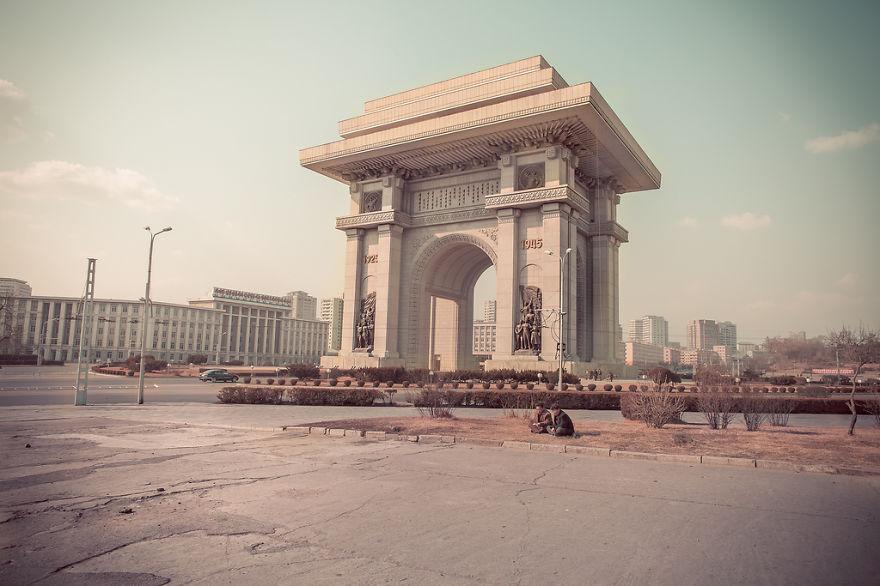 38e-parallle-north-North-Korea- Secretive-Capital-Pyongyang  (2)