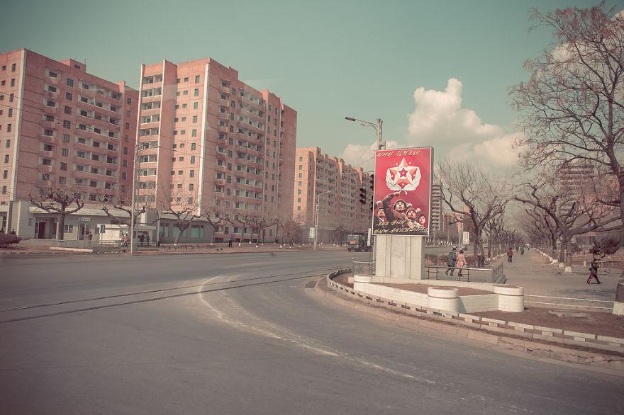 38e-parallle-north-North-Korea- Secretive-Capital-Pyongyang  (4)